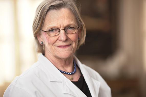 Svensk EFT-professor knackar på meridianer mot stress